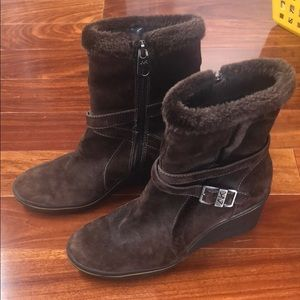 Brown suede wedge winter boots